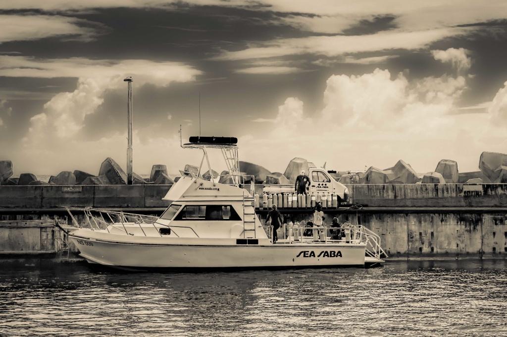 Sea Saba Dive Boat, Fort Bay, Saba, Dutch Caribbean